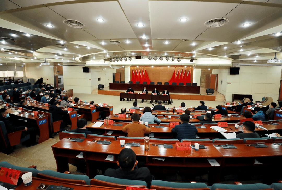 【聚焦铜陵两会】胡启生与人大代表一起审议政府工作报告等