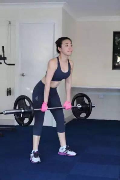 多做复合动作,让你的肌肉快速增长