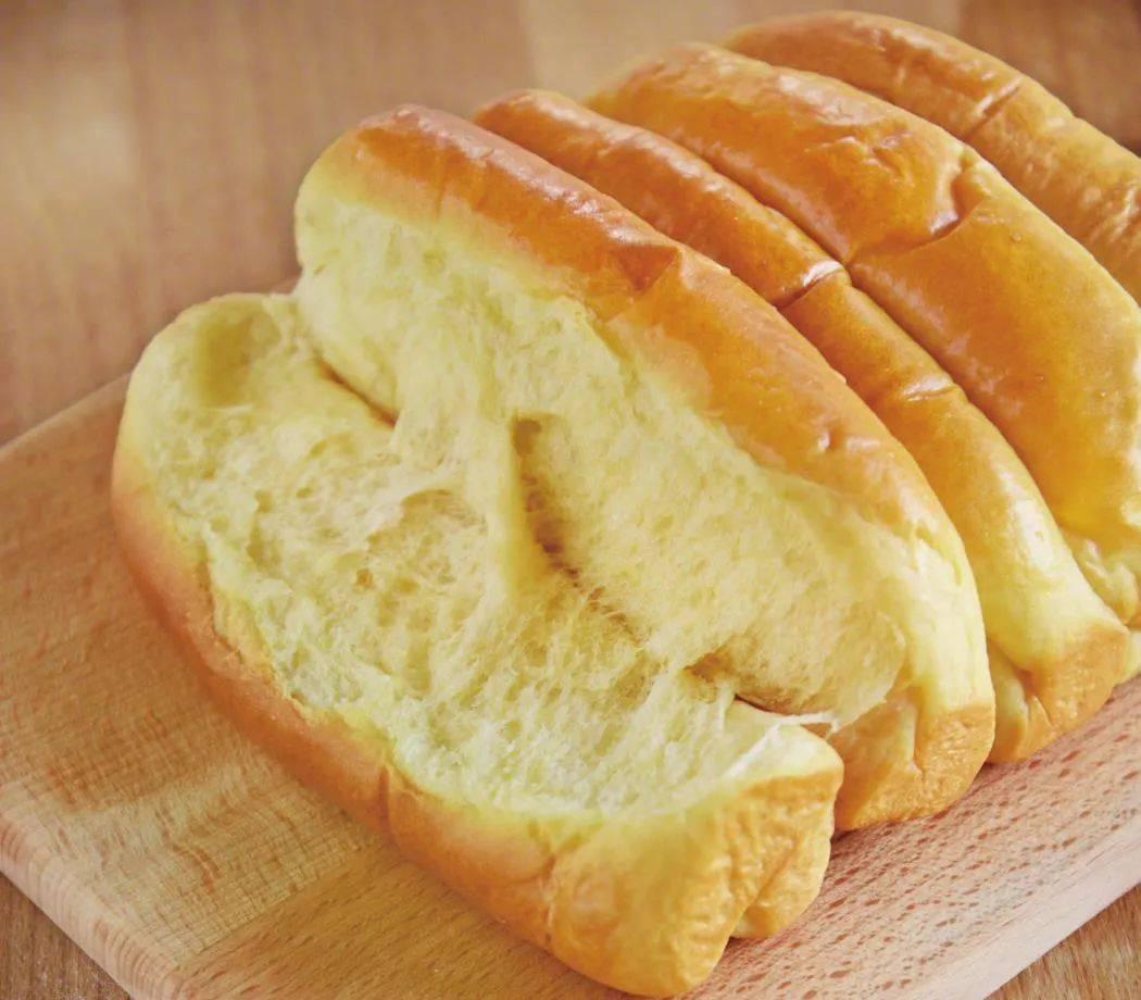 一碗面粉,一包牛奶,掌握这个配方,在家轻松做出超柔软的面包