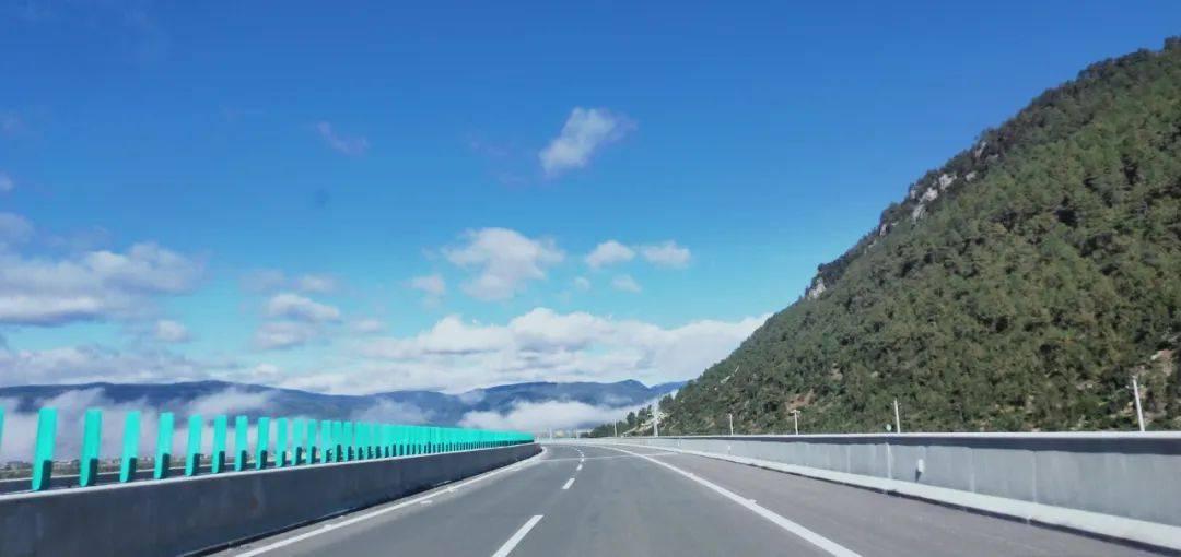 这条高速2月1日起通车运营收费