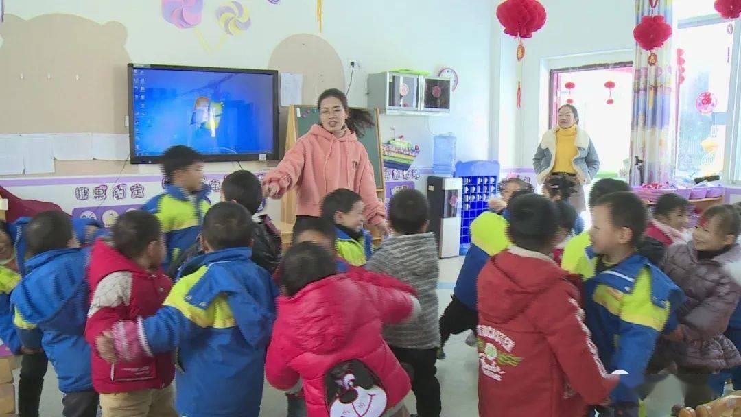 县优秀教师陈萍:用爱温暖孩子 用心呵护成长