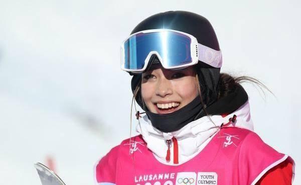 中国17岁美女滑雪天才火了!聪明还勤奋,她是中国体育新名片吗