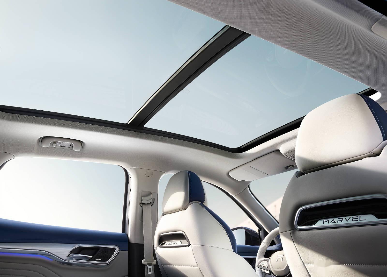 手势开天窗、语音控制车速,上汽R汽车MARVEL R正式上市|一线车讯