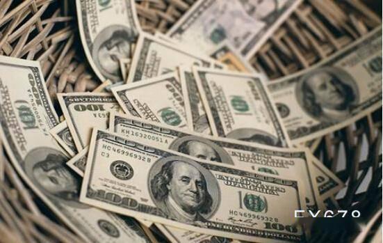 """投行观点:富国银行对美元升值的信心""""减弱"""",因为投资者做空"""