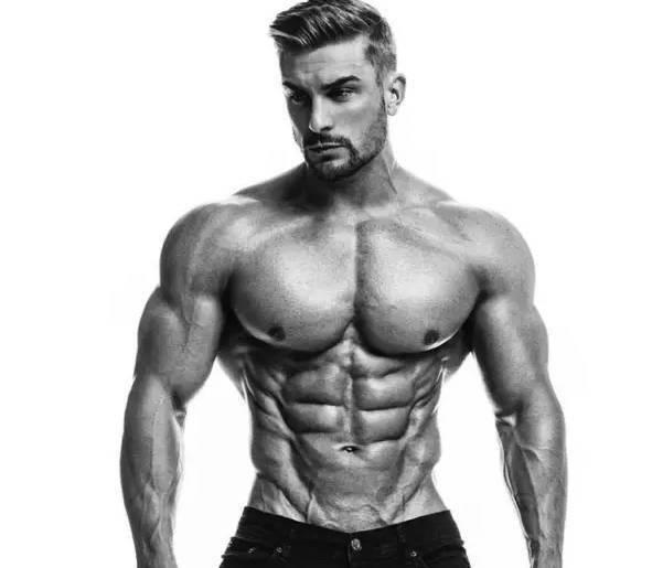 英国最性感的健身模特,告诉你练不出腹肌的秘密!