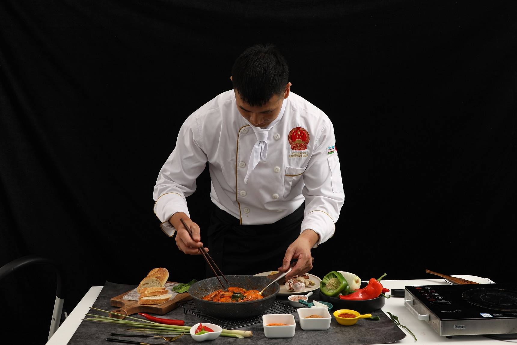 留京过年,海鲜餐厅掌勺人留下来给年夜饭加道