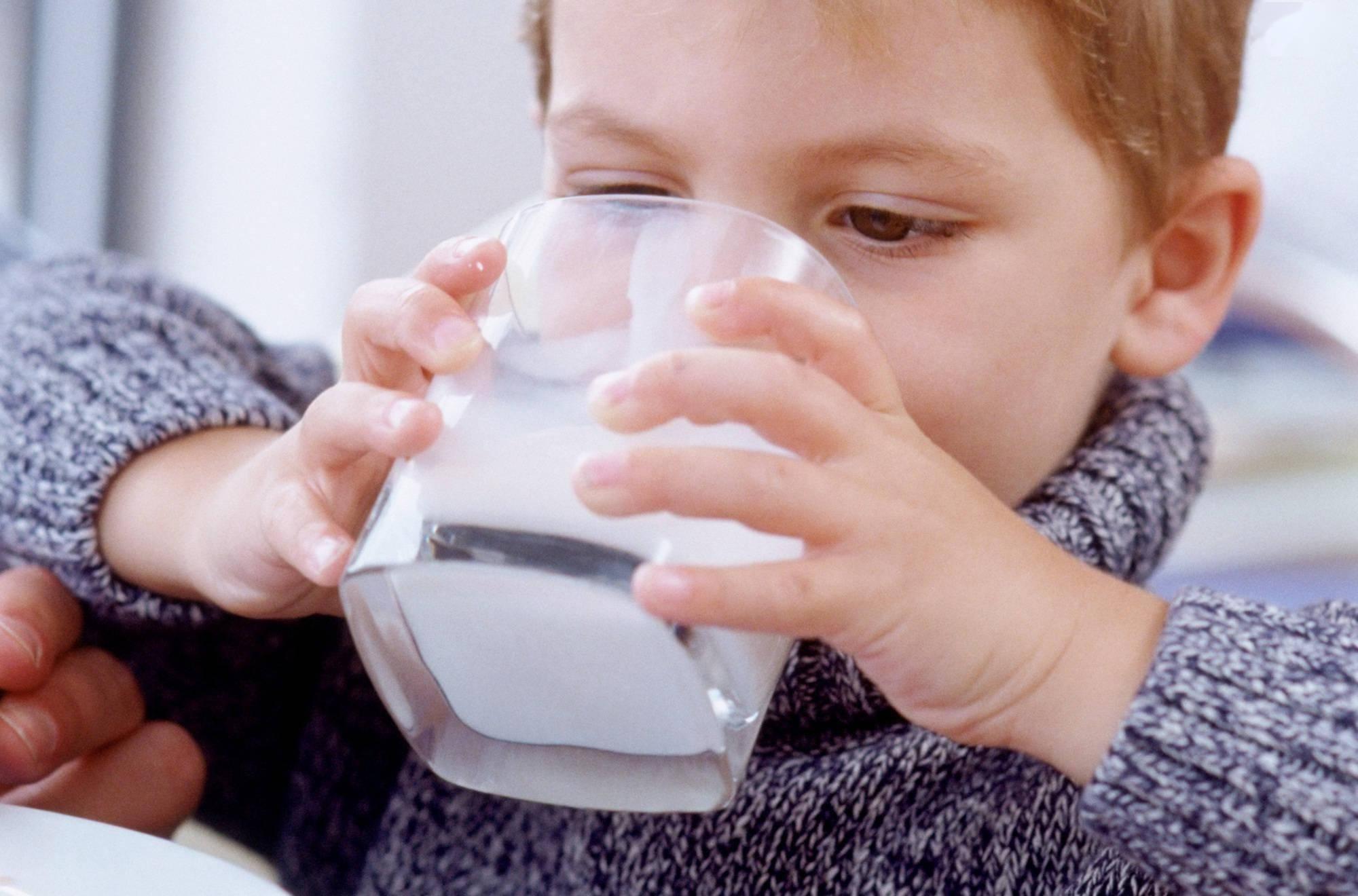 孩子睡前可以常吃这些食物,不仅睡得安稳,还利于身高、大脑发育  第3张