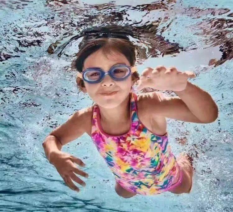 """少儿学游泳""""气""""在先"""