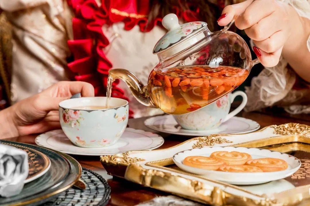 89.9双人换装下午茶,宫廷礼服、旗袍、婚纱···100+造型不限时任换!