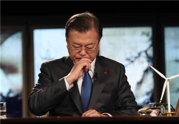 外媒揽要丨3月4日晚报: 国际刑警组织呼吁防范假疫苗犯罪 蓬佩奥不排除竞选总统可能