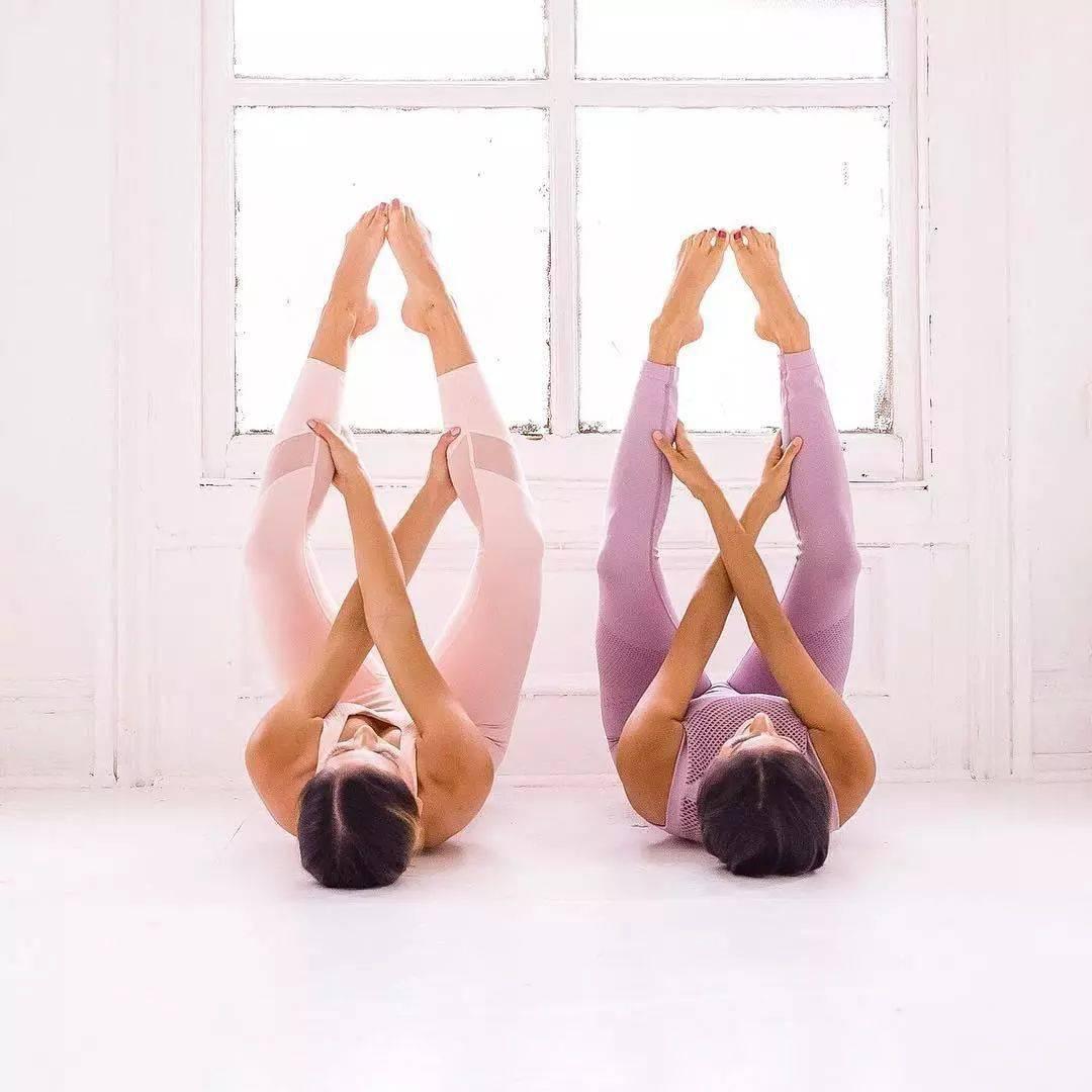 练瑜伽,练什么体式效果最好?_脊柱
