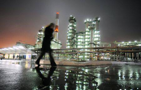 原油亚盘:油价一连第五天下跌 美国原油和燃油