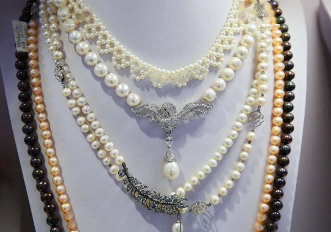 """探秘!长相怪诞的异形珍珠,竟成了时髦新宠?在古典豫园,就能遇见这""""丑""""出了名气的文创精品!"""