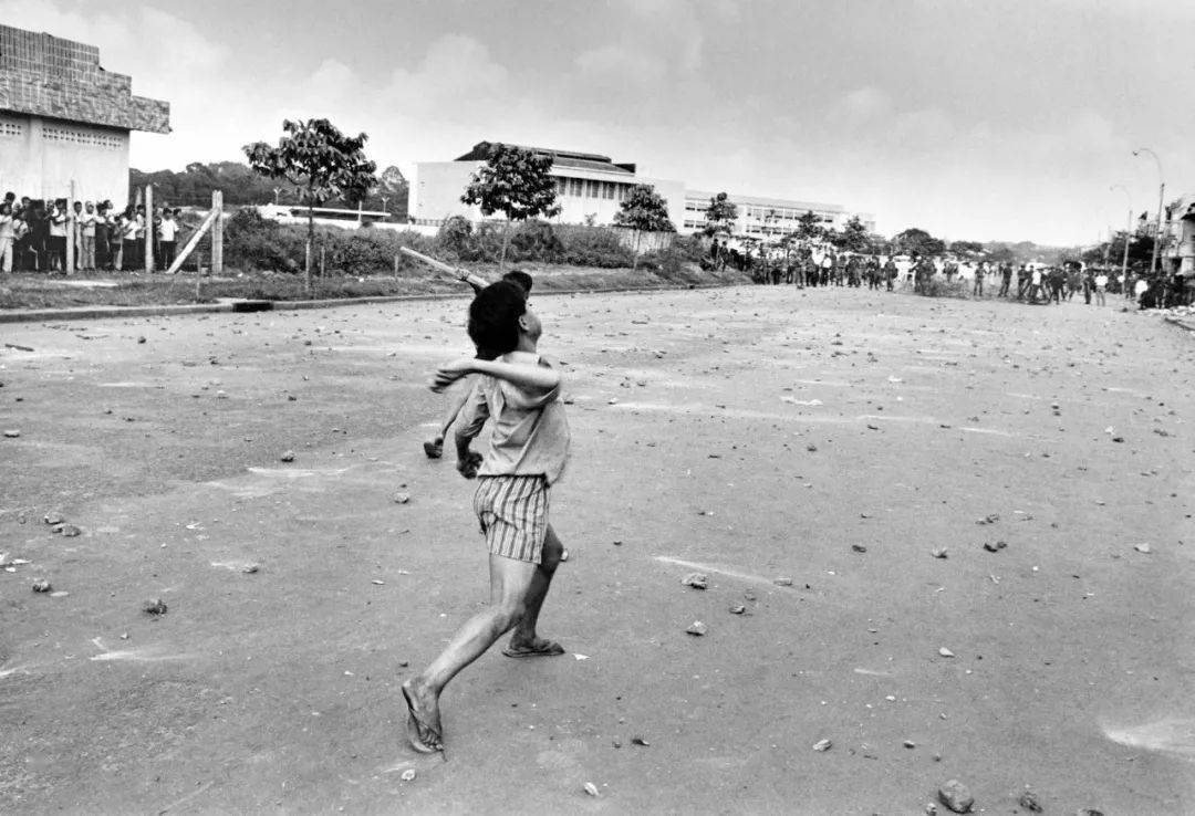 《再见,西贡》越战阴影后的街头