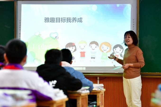 深圳拟探索推进12年免费教育,并再逐步向更长年限延伸