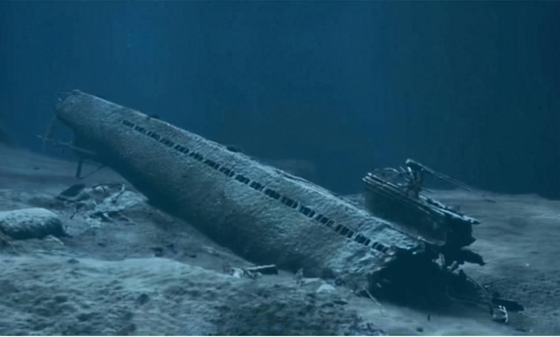 大洋深处的潜艇有多危险?答:是纯粹把脑袋别在裤腰带上的工作