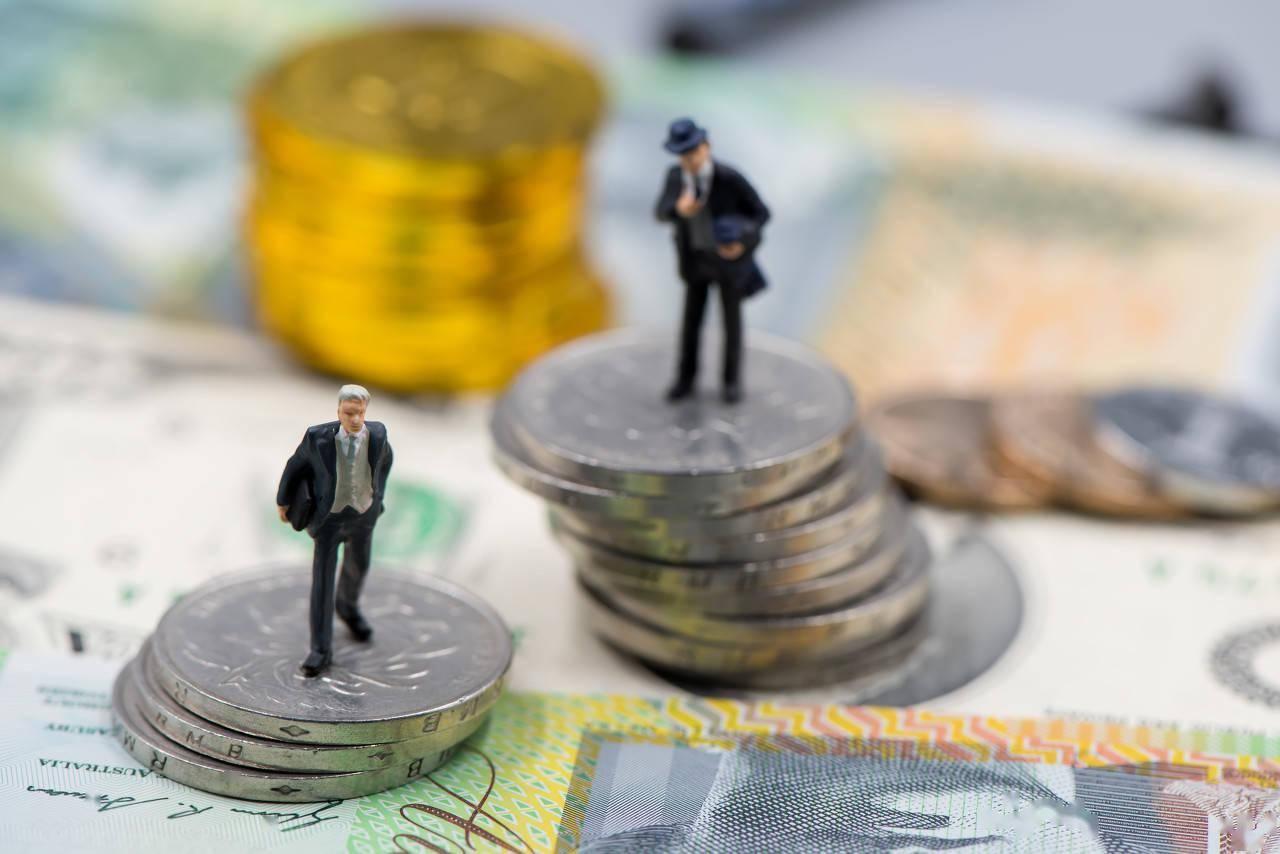 年亏31亿、现金流吃紧,合力泰长短期偿债能力均远低于行业平均,拟定增28.7亿补流
