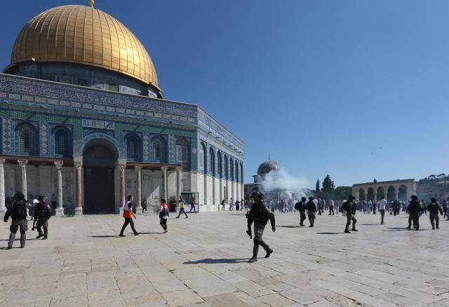 """哈马斯领导人哈尼亚:阿克萨清真寺是""""红线"""",以色列不要""""玩火"""""""