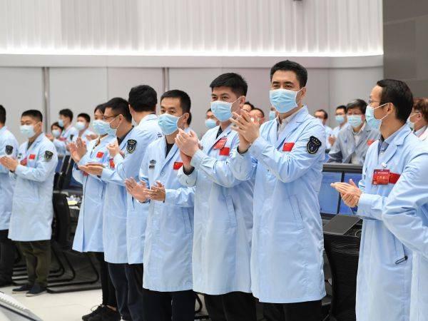 外媒关注天问一号着陆:中国太空计划赢得尖峰成就