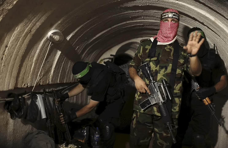 """哈马斯""""死亡隧道""""揭秘:以军诱敌躲进隧道,陆海空狂炸全歼"""