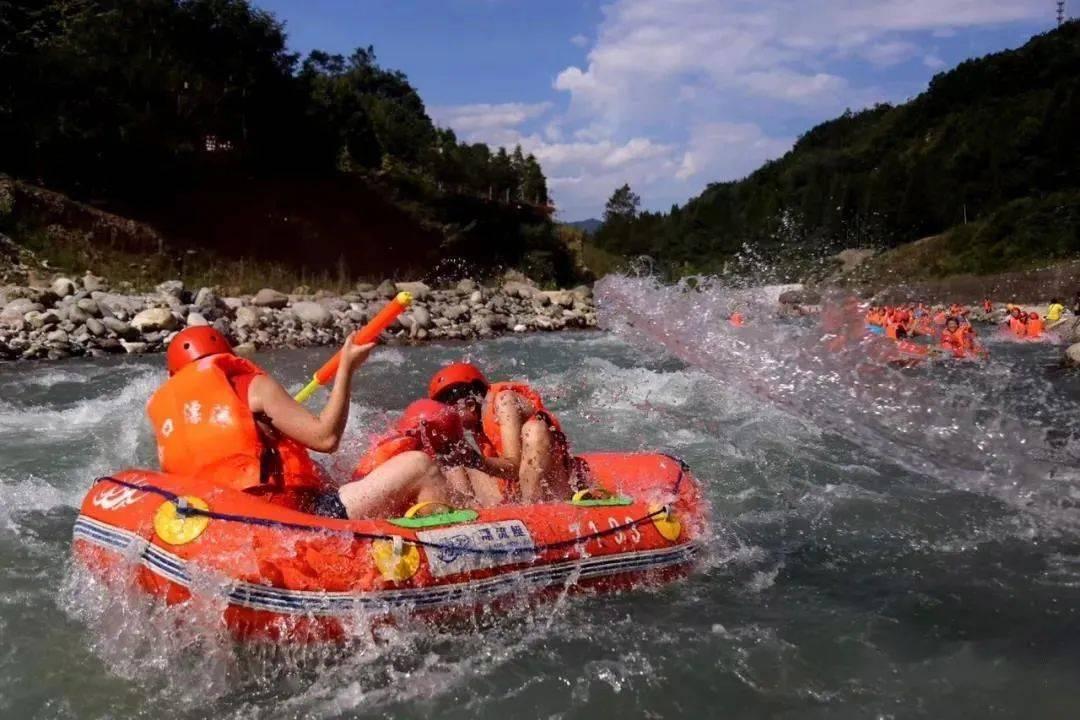 带上这份避暑攻略,端午一起到都江堰寻找25°的夏天!