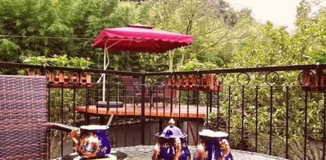 莫干山下的这个私家花园里的民宿,好像穿越到了欧洲小镇丨拉费尔