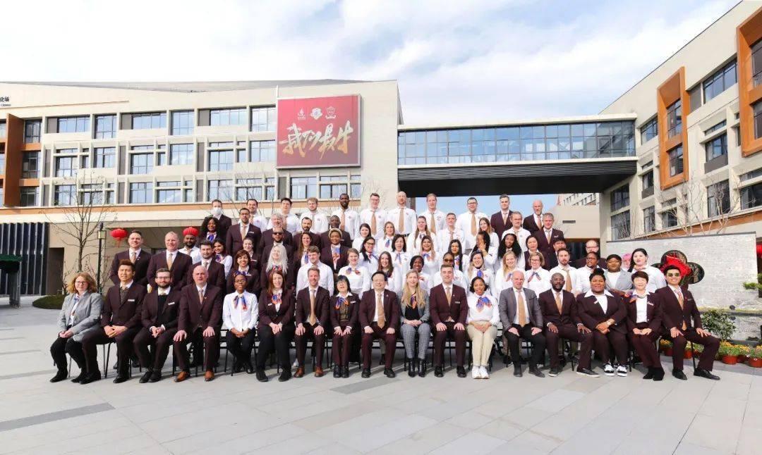 """苏州科技城外国语高级中学:尊重个性差异,提倡""""全人教育""""!"""