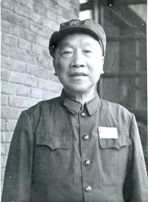 """重庆红色故事50讲   """"红军洞""""与""""红军桥""""——段苏权"""