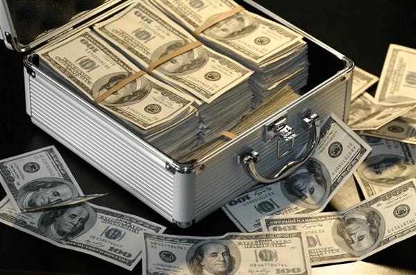 全球薪酬最高CEO排行:马斯克第一、库克第八