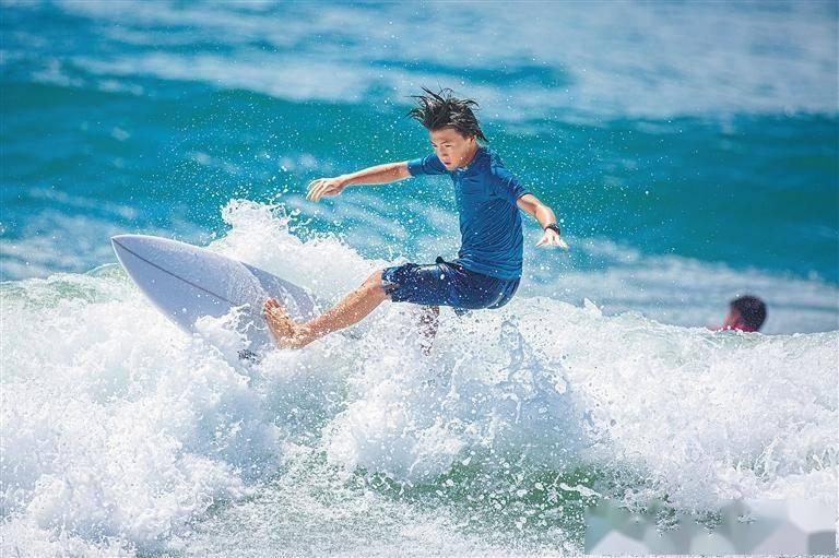 全运会冲浪比赛在万宁开赛 海南代表力争包揽两块金牌