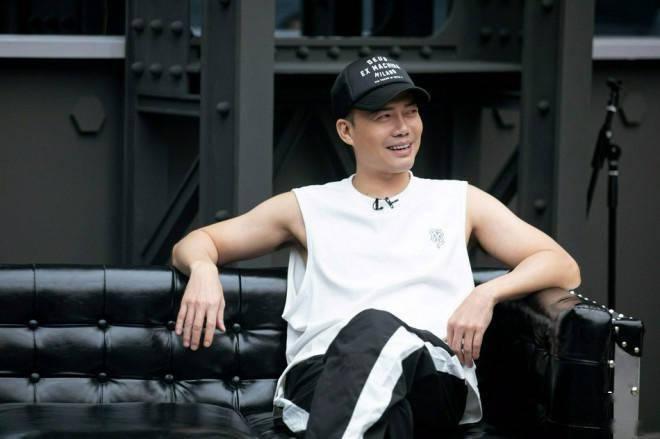 《哥哥》两次公开准备发布陈小春的严肃表情和歌词