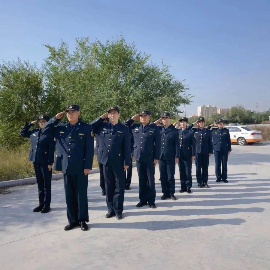 【队伍建设】五大队联合十大队持续推进准军事化训练 改进执法作风建设