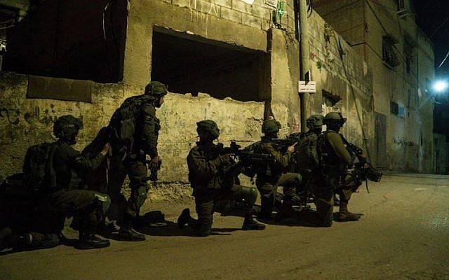 以色列与哈马斯夜里发生枪战 至少4名巴勒斯坦人丧生