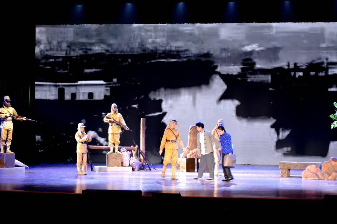 话剧《无畏的青春》今晚精彩上演!