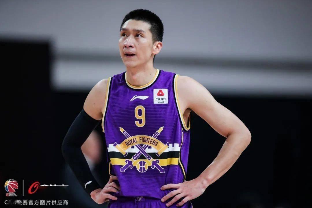 北京时间10月16日,北京控股篮球俱乐部在社交媒体上宣布老将